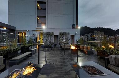 hoteles-con-piscina-en-bogotá-1